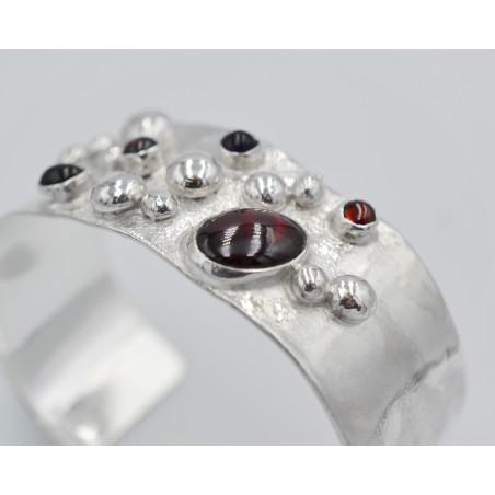 Cascade medium loop earrings
