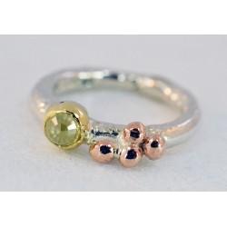 Pebbles diamond ring