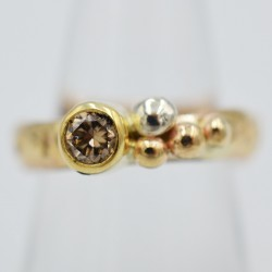 Pebbles gold ring