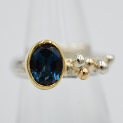 Pebbles medium gemstone ring