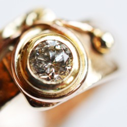 9ct and diamond ring